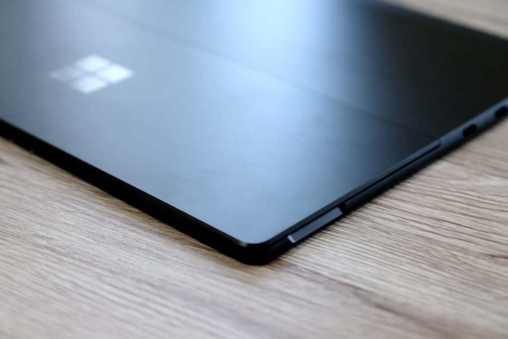 Surface Pro Xのスタンド