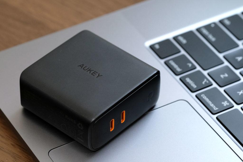 USB-C 2ポートに対応した充電アダプタ