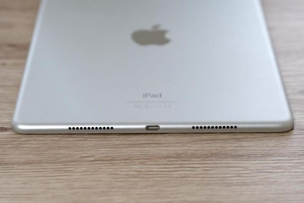 iPad Pro 9.7インチ Lightningポートとスピーカー