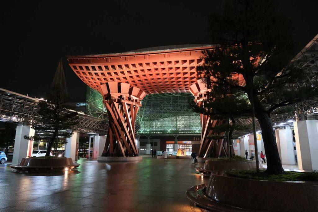 X-T3で金沢駅を撮影(JPEG撮って出し)