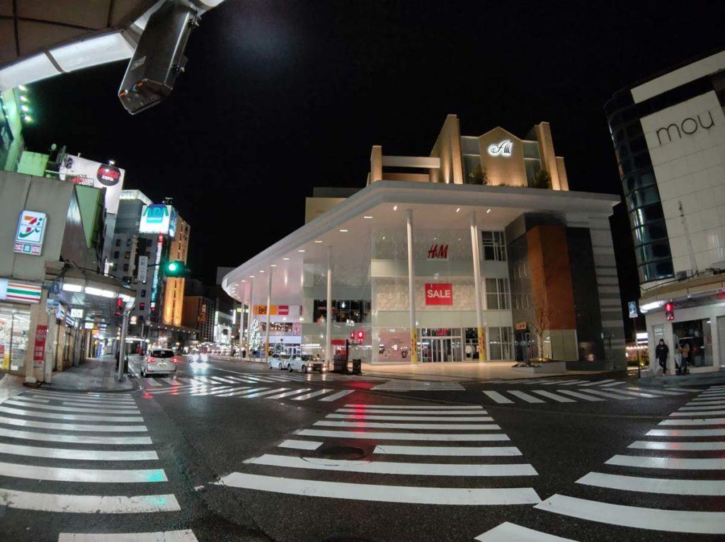 AQUOS zero2 広角カメラで街並みを撮影