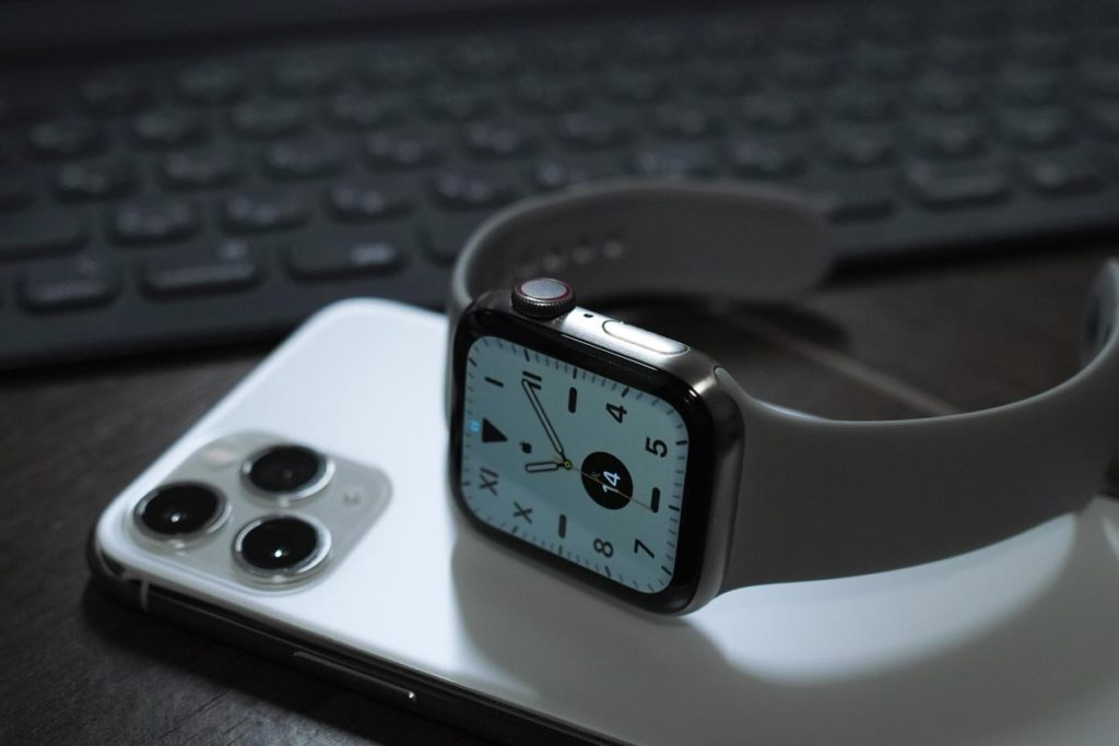Apple WatchとiPhone