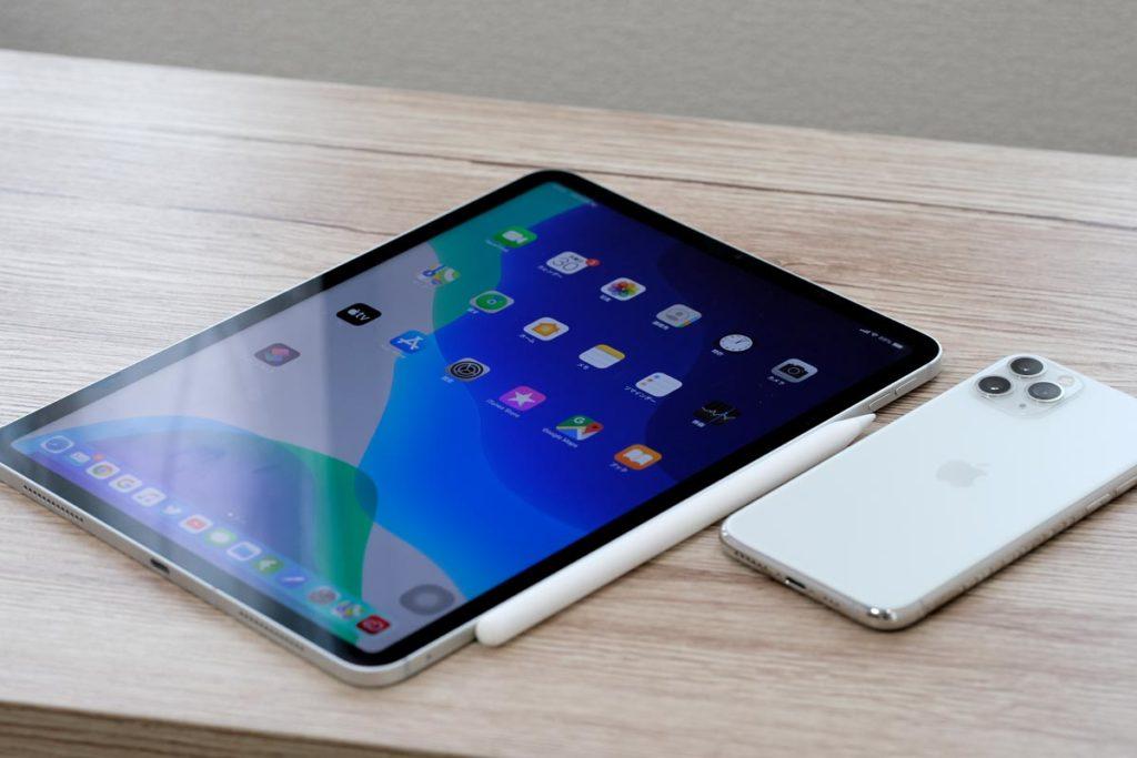 iPad Pro 11インチとiPhone 11 Pro