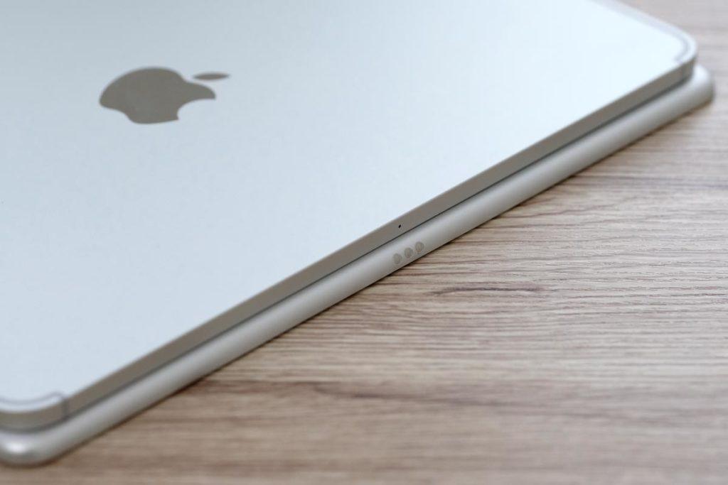 iPad Pro 10.5インチは本体横にSmart Connector