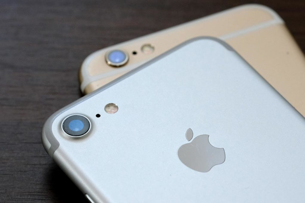 iPhone 7とiPhone 6sのリアカメラ