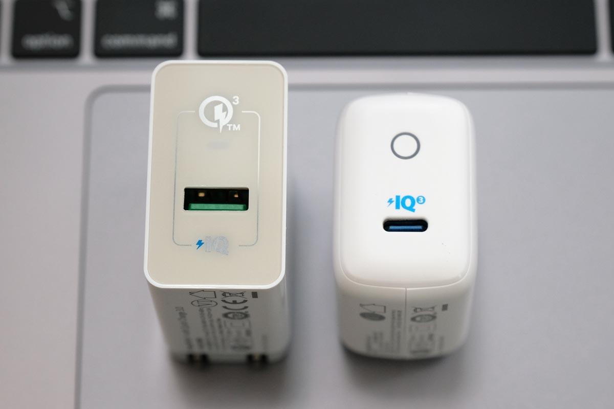 USB-AとUSB-C 対応の充電アダプタ