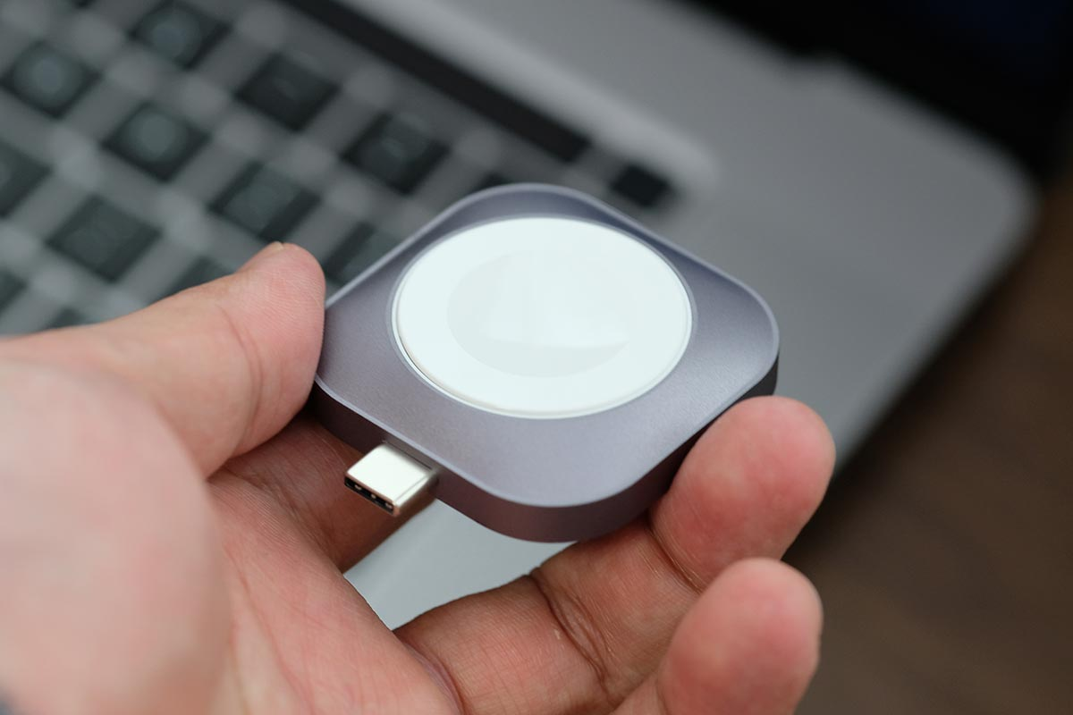 Satechi USB-C Apple Watch 充電ドックの大きさ
