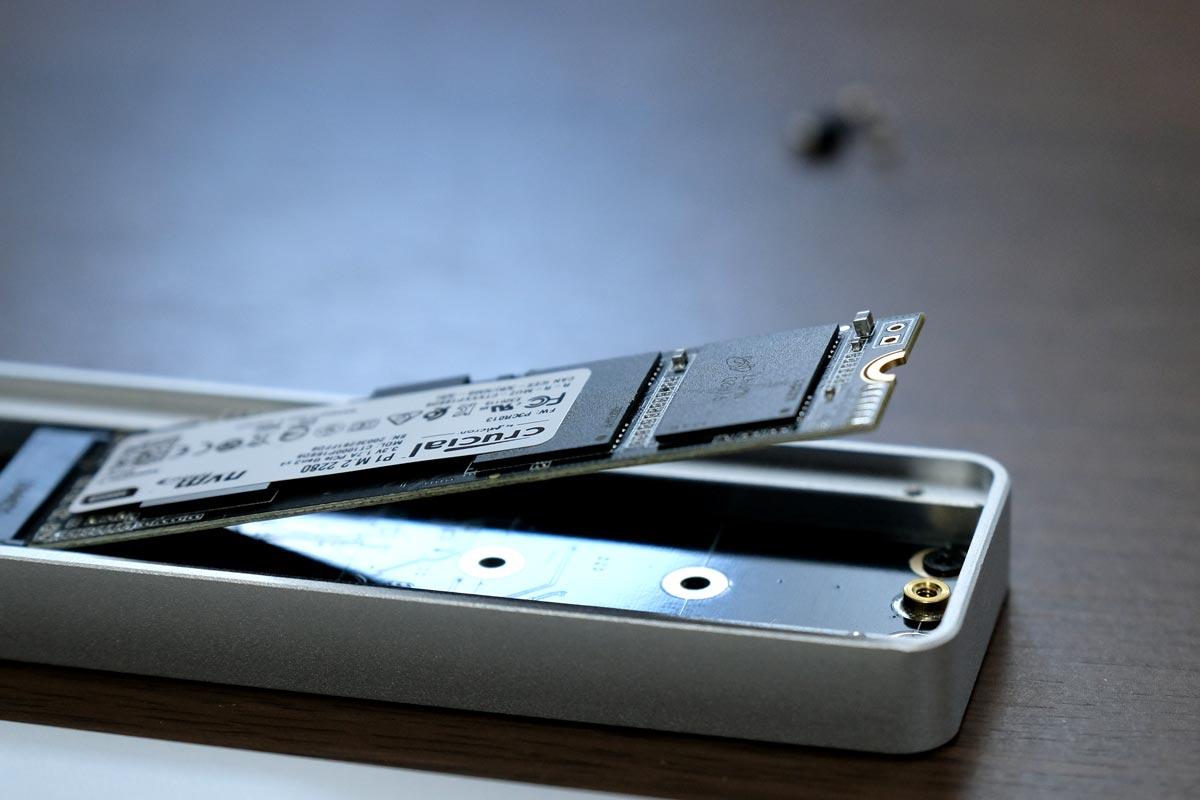 M.2 SSDを接続した状態