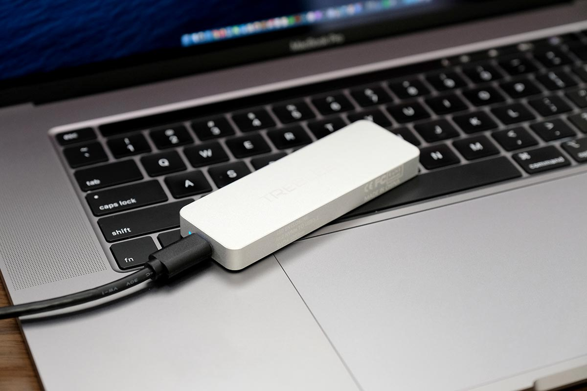 M.2 SSDをMacBook Pro 16インチに接続する
