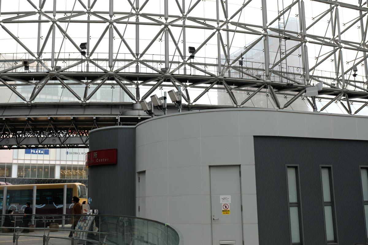 金沢駅内の5Gアンテナ
