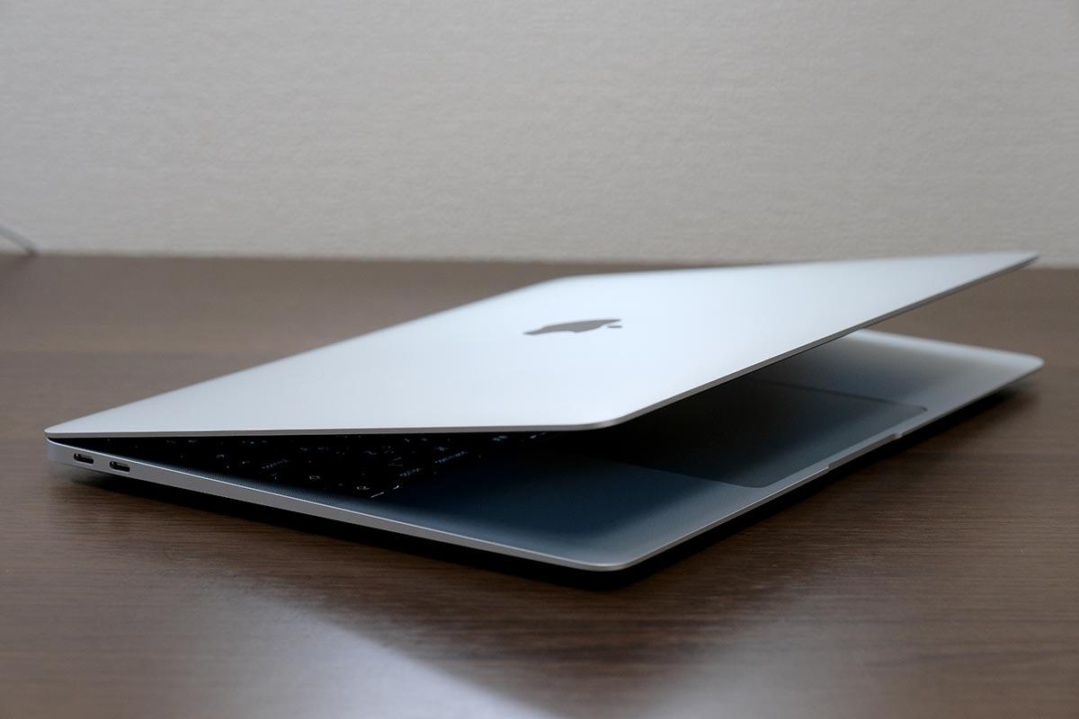 比較的電池持ちの良いMacBook Air