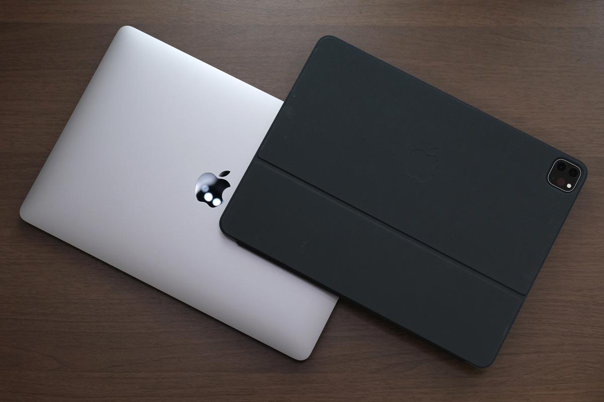 MacBook Pro 13インチとiPad Pro 12.9インチ