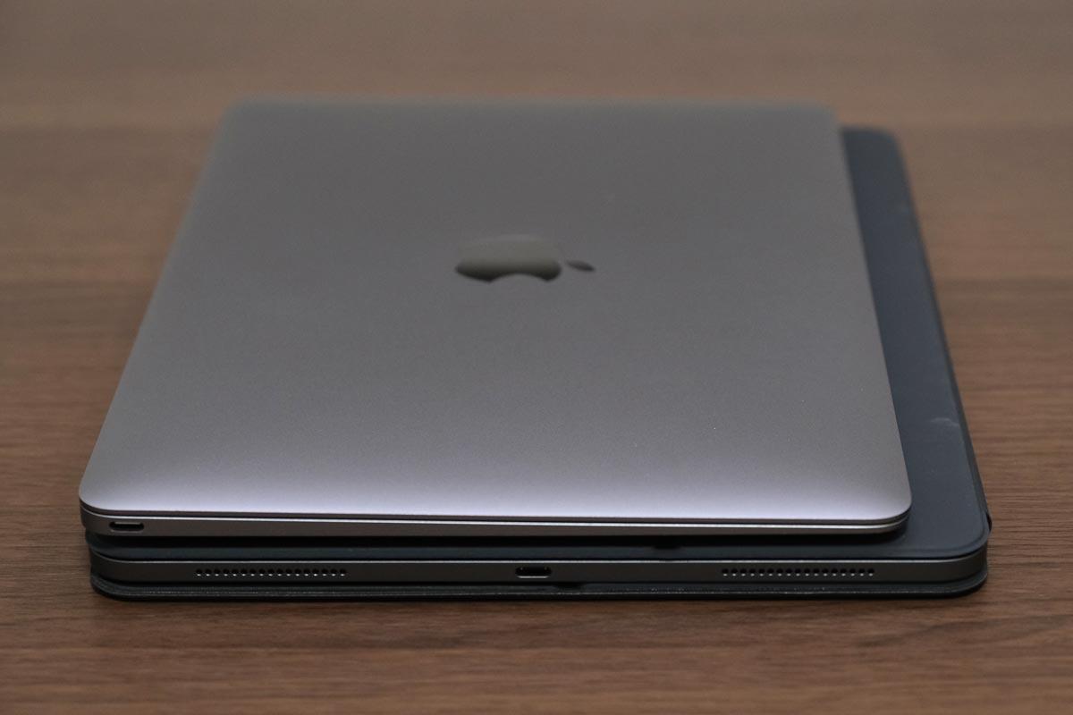 MacBookとiPad Pro 12.9インチ