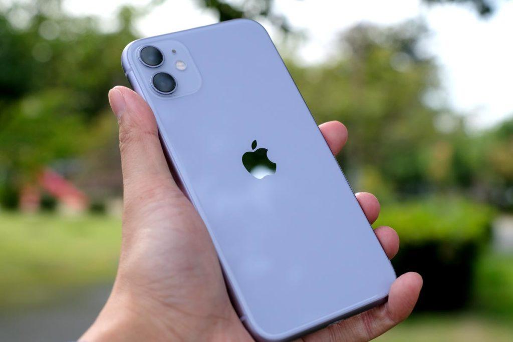 iPhone 11 パープルカラー