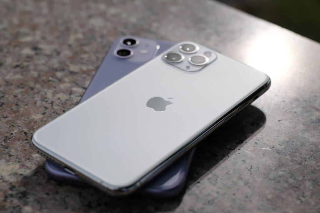 iPhone 11 Proはマットガラスを採用