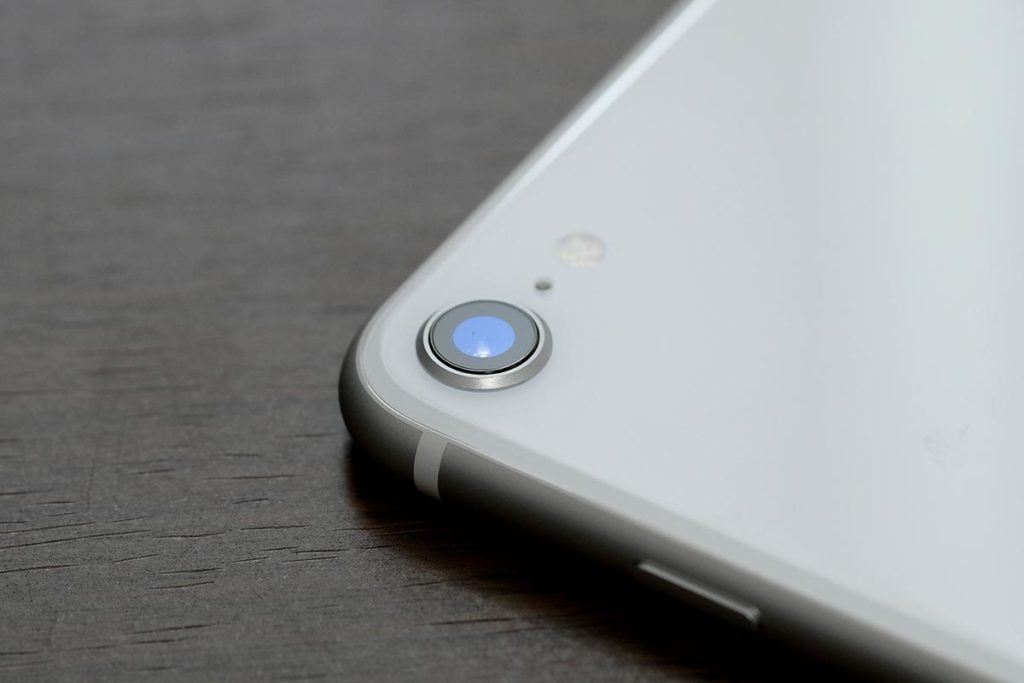 iPhone SE(第2世代)のリアカメラ