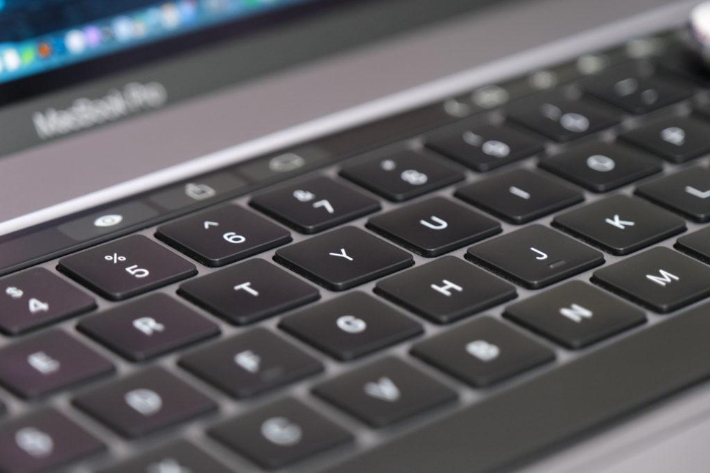 MacBook Pro 16インチのキーボード