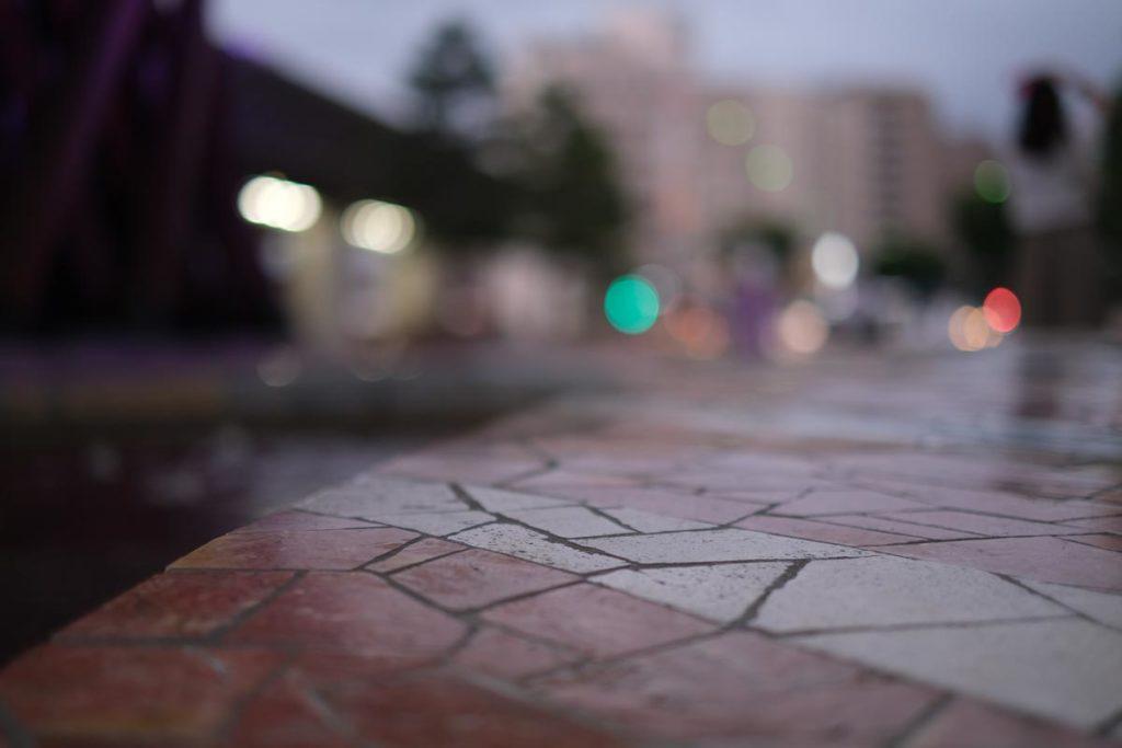 X-T4 + XF35mmF1.4Rで金沢駅前の光と影