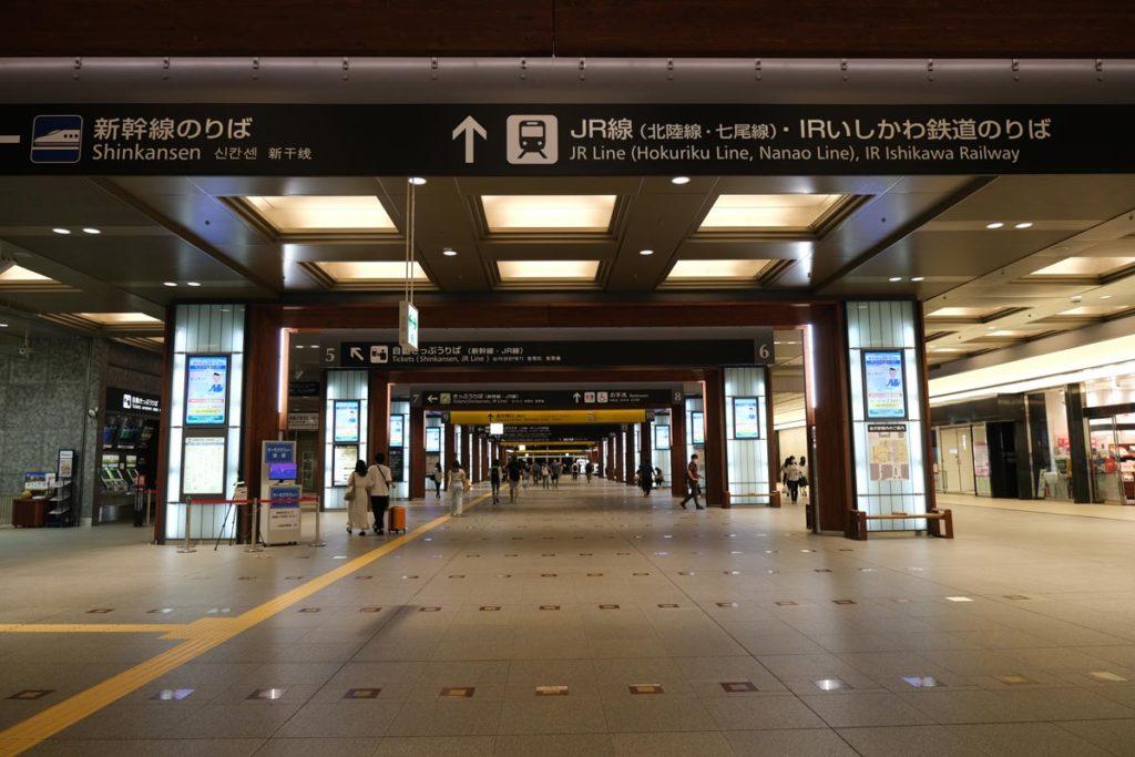 XF16-55mmF2.8で金沢駅を撮影