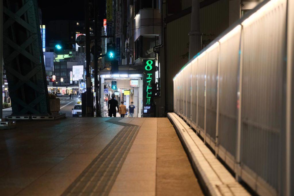 X-T4で夜の街を撮影
