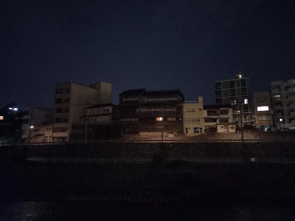 Galaxy A41 暗いところでの撮影