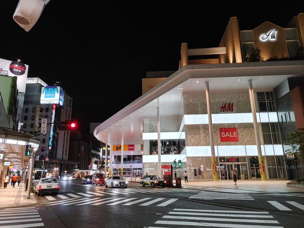 LG Style3の標準カメラで夜の街を撮影