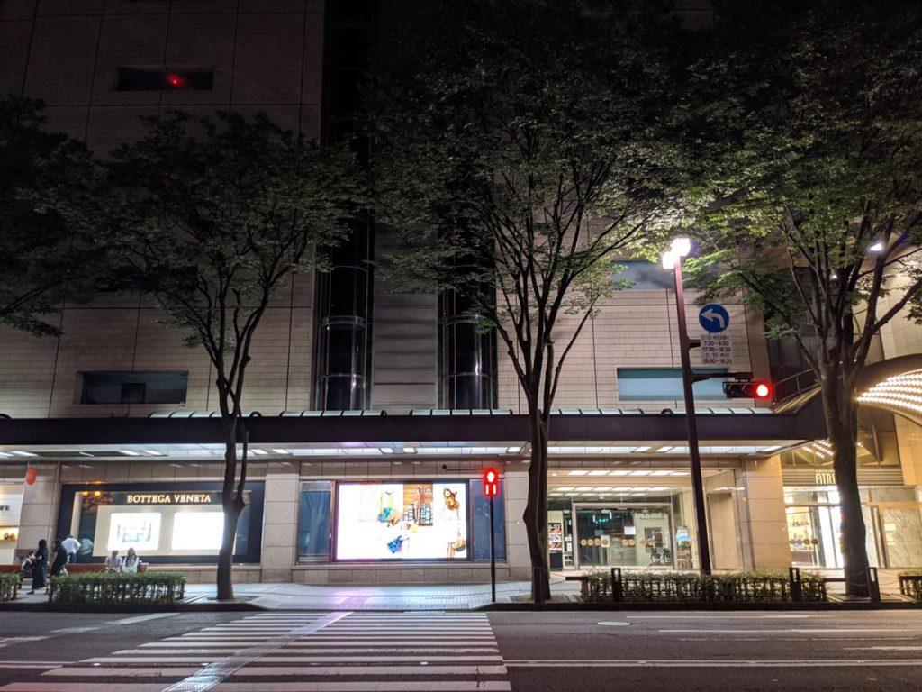 Pixel 4aで夜の交差点を撮影