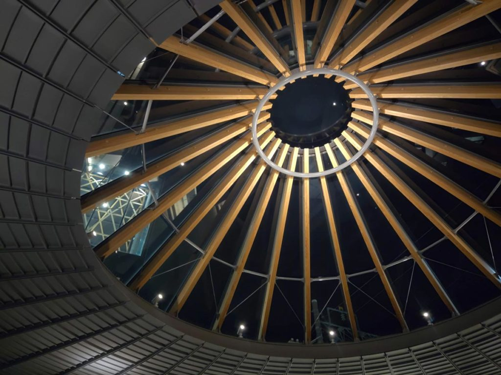 arrows 5G 標準カメラで撮影したオシャレな屋根