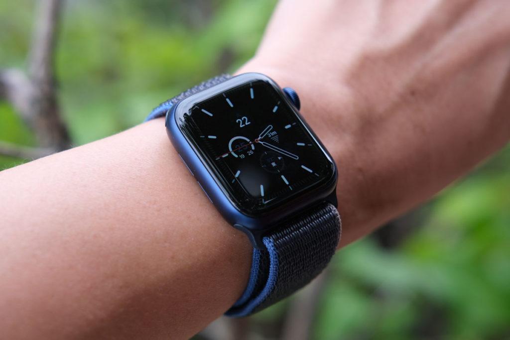 40mmのケースのApple Watch 6