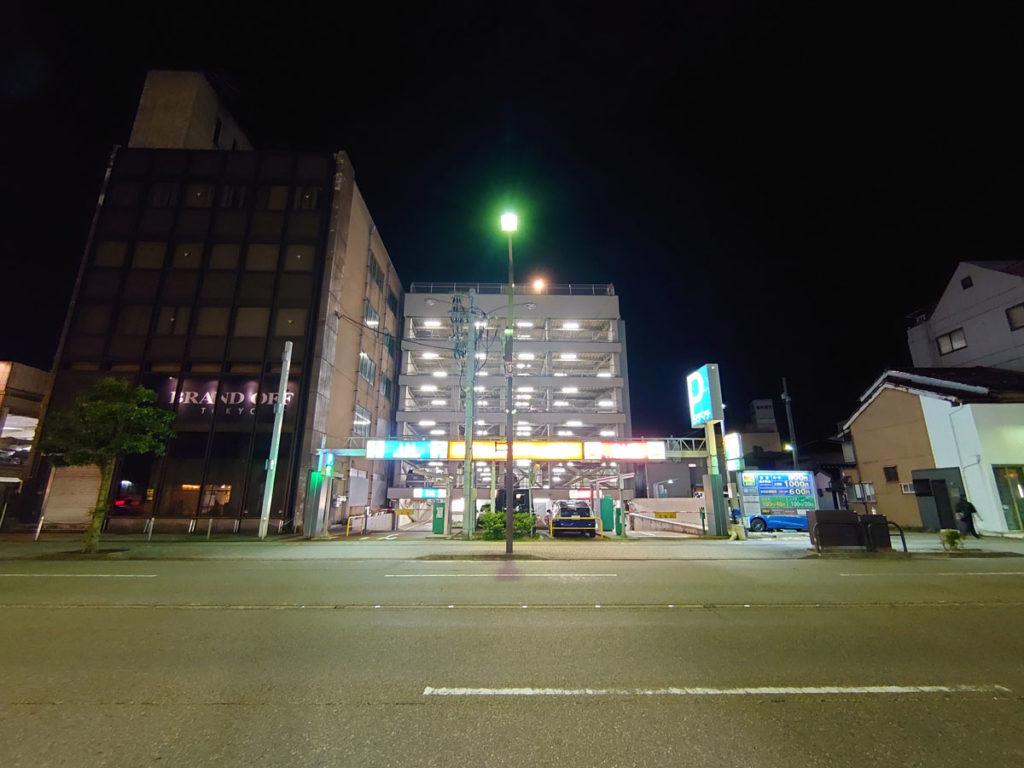 Xperia 5の超広角カメラで夜の撮影
