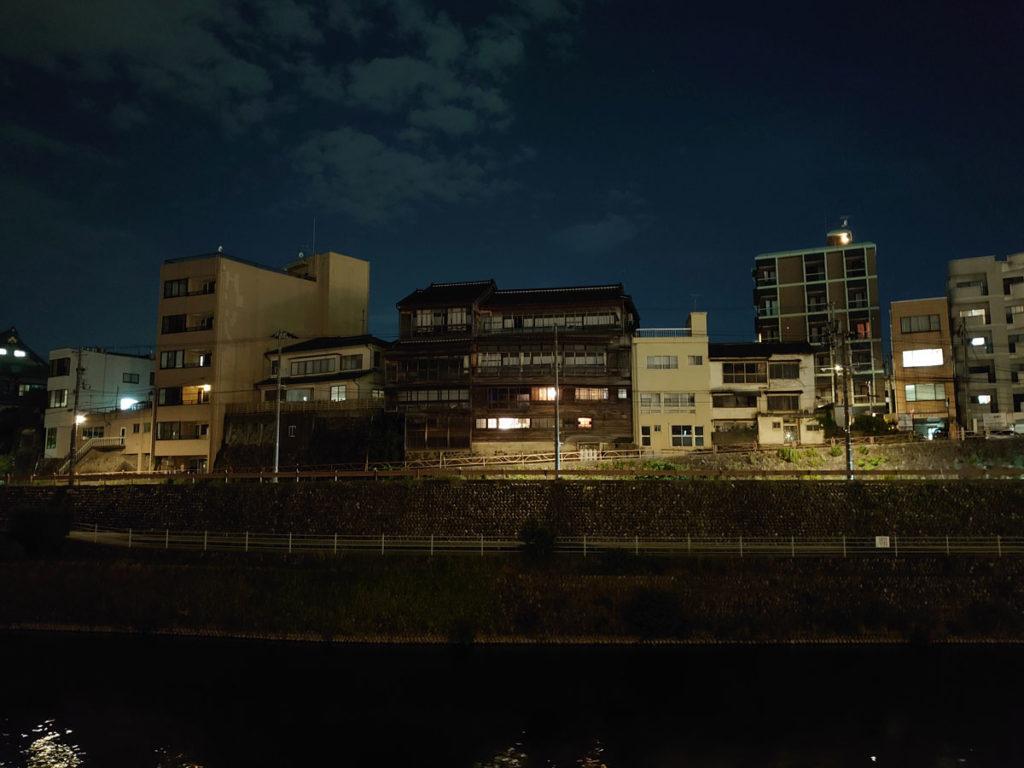 Xperia 5は暗所撮影も得意