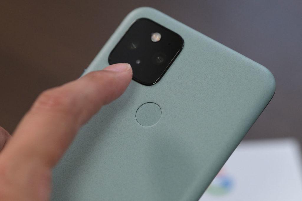 Pixel 5の指紋認証センサー