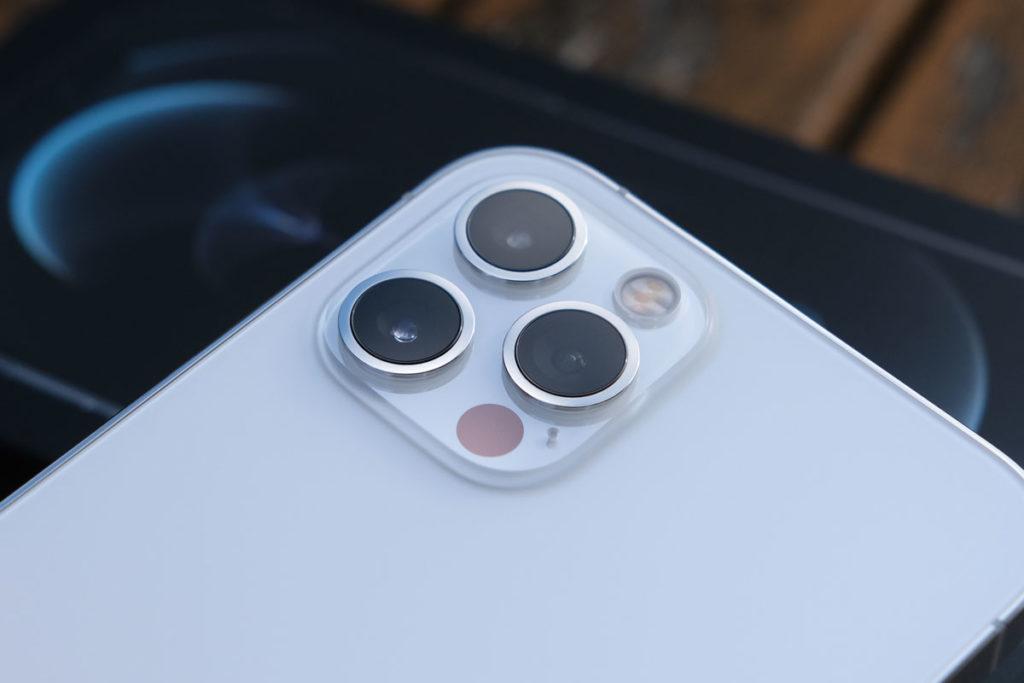 iPhone 12 Proのリアカメラのデザイン