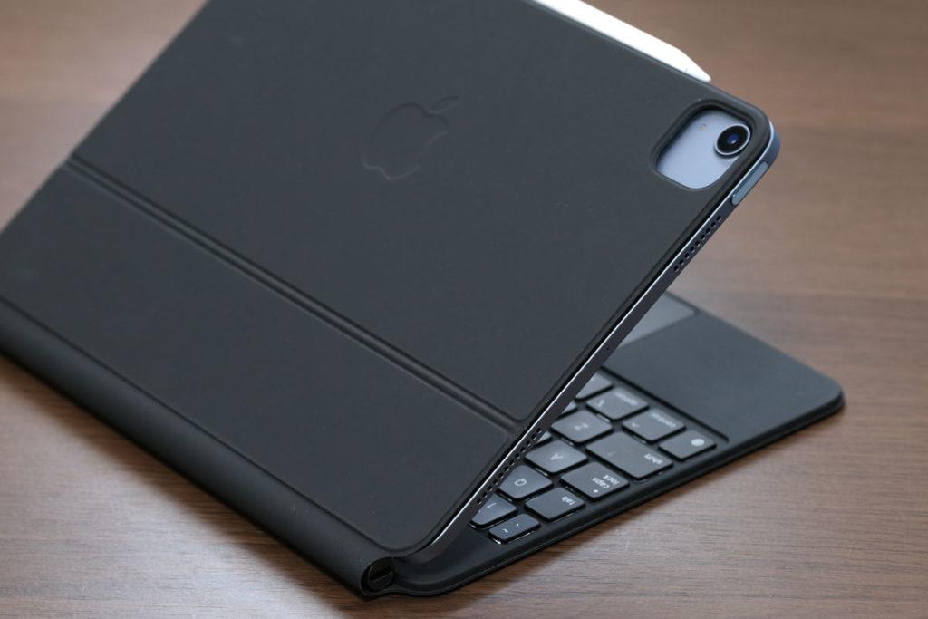 iPad Air 4とMagic Keyboardのリアカメラ部分