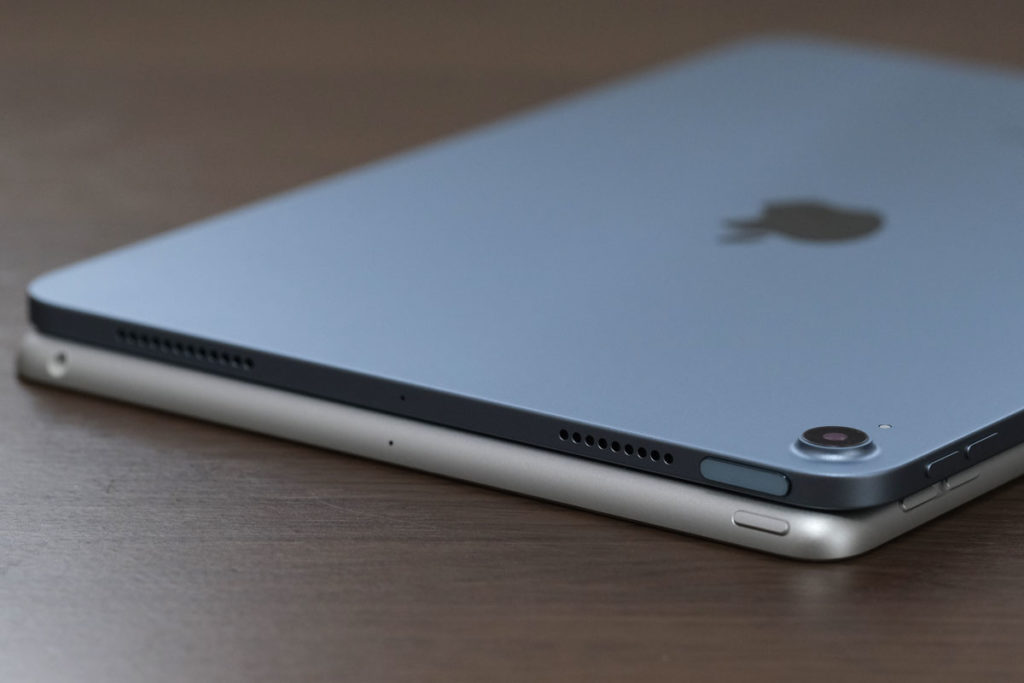 iPad Air 4とiPad 8のスピーカー
