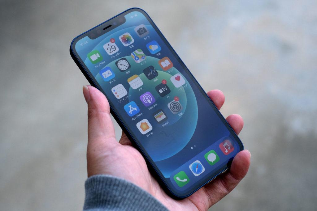 iPhone 12のサイズ感