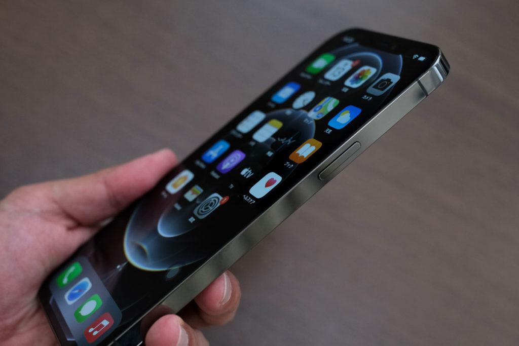 iPhone 12 Pro Max サイドボタン