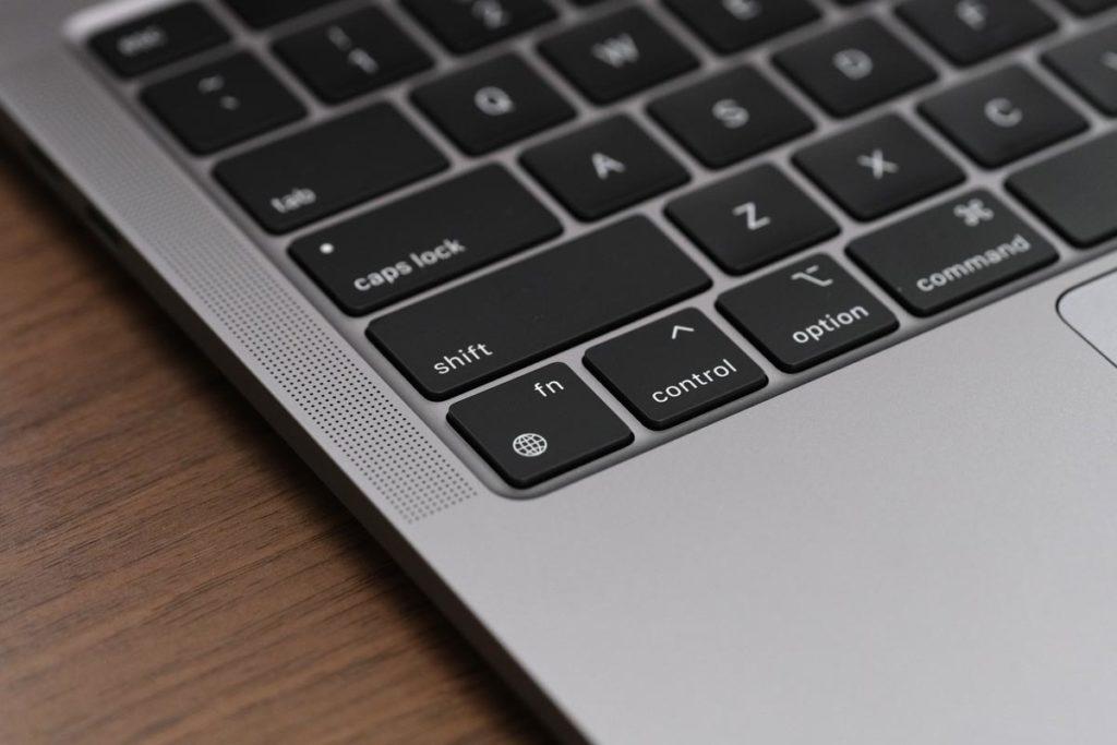 MacBook Pro 13 地球儀キー