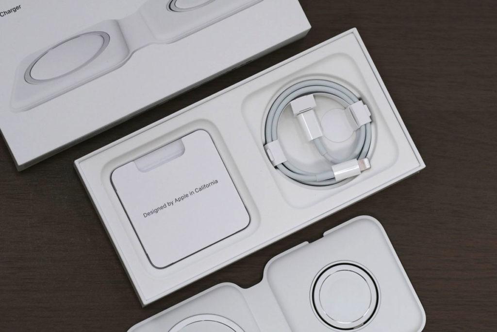 MagSafeデュアル充電器の同梱品