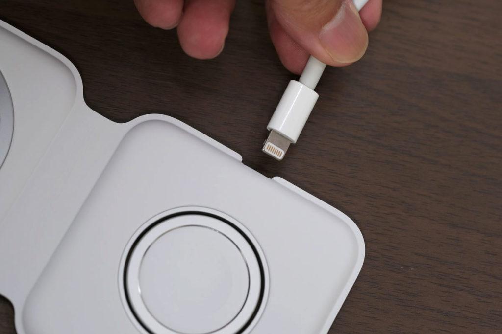 MagSafeデュアル充電器の充電ポート