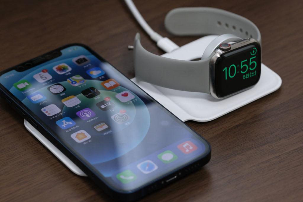 iPhone 12とApple Watchを同時充電