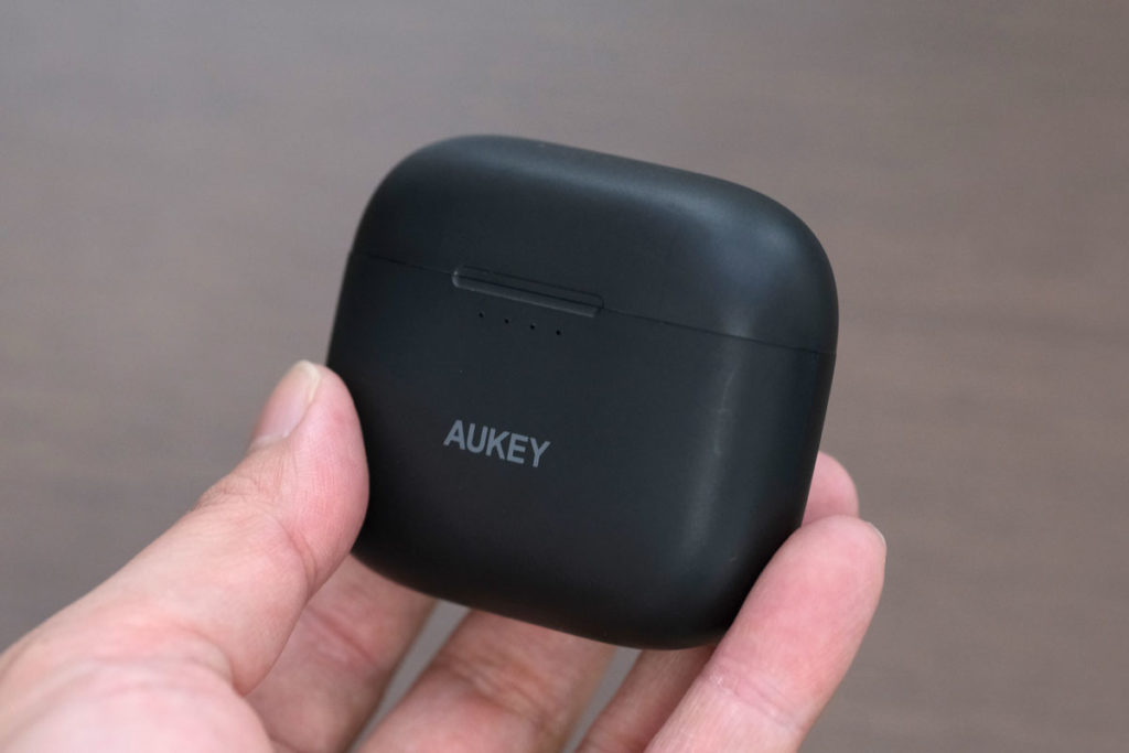 AUKEY EP-N5の充電ケース