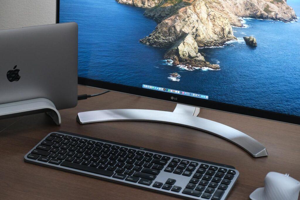 MacBook Airの縦置き設置方法