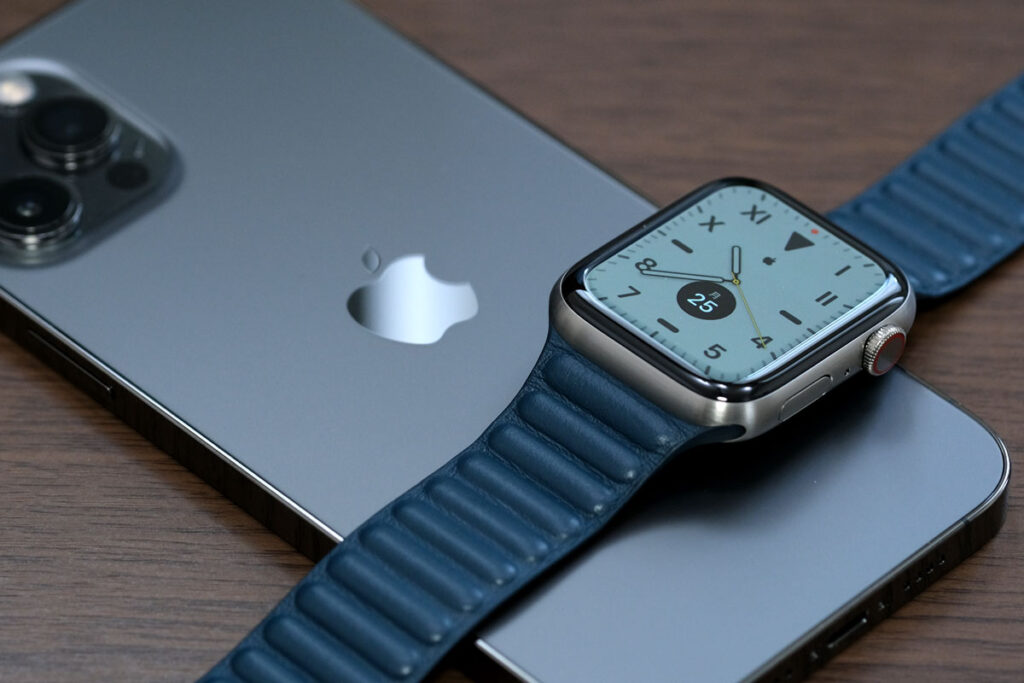 iPhone 12 Pro MaxとApple Watch  Edition