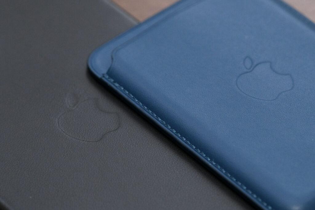 iPhoneレザーケースとウォレットのレザーの質感の違い