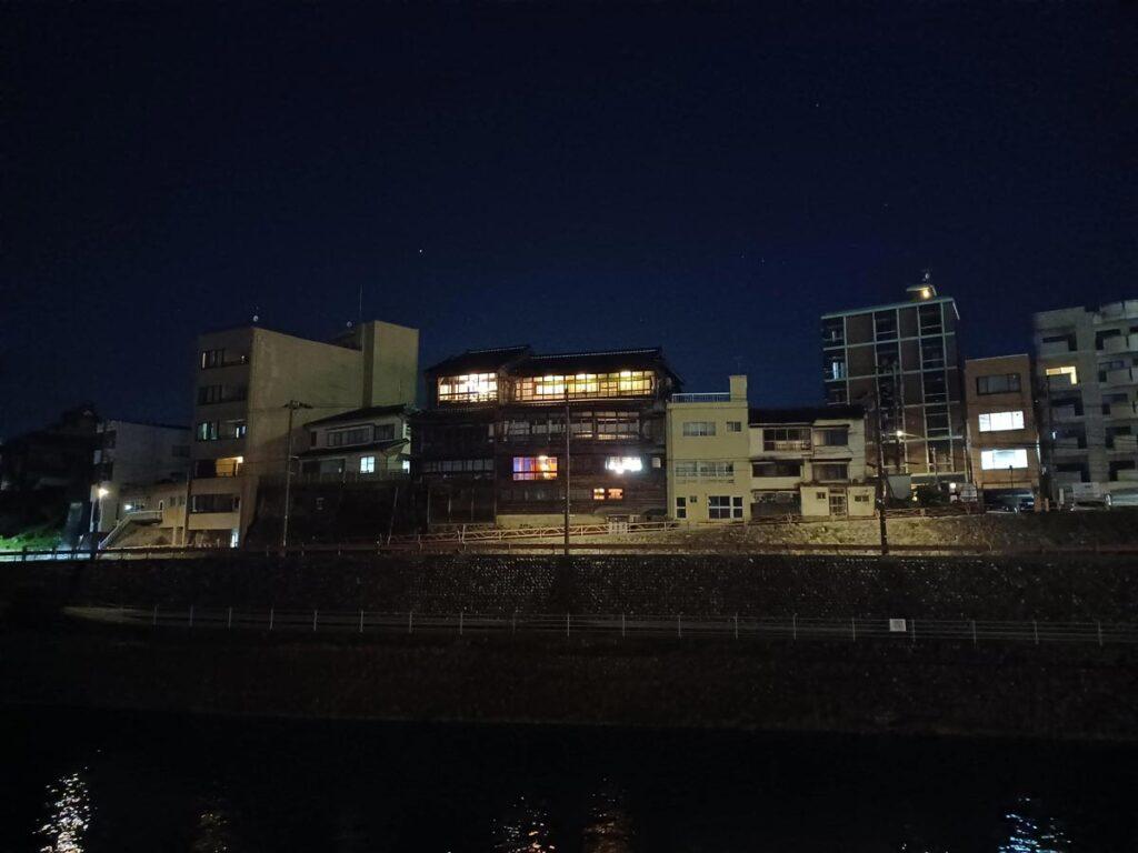 Galaxy A32 5G 夜間撮影