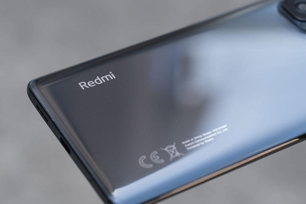 Redmi Note 10 Pro 背面パネルの素材