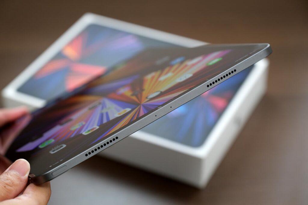 iPad Pro 12.9インチ(第5世代)本体上部