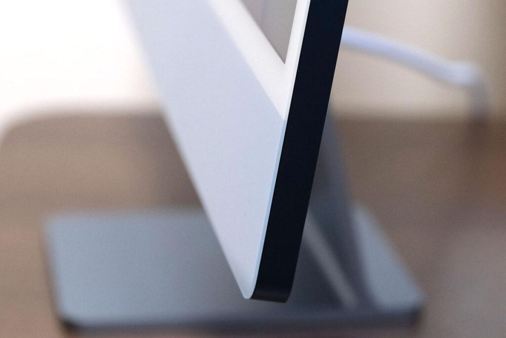 iMac 24インチの筐体サイド部分の加工