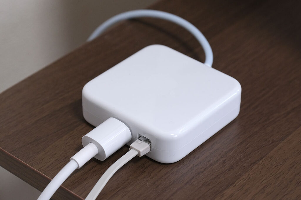 iMac 24インチ 有線LANポート